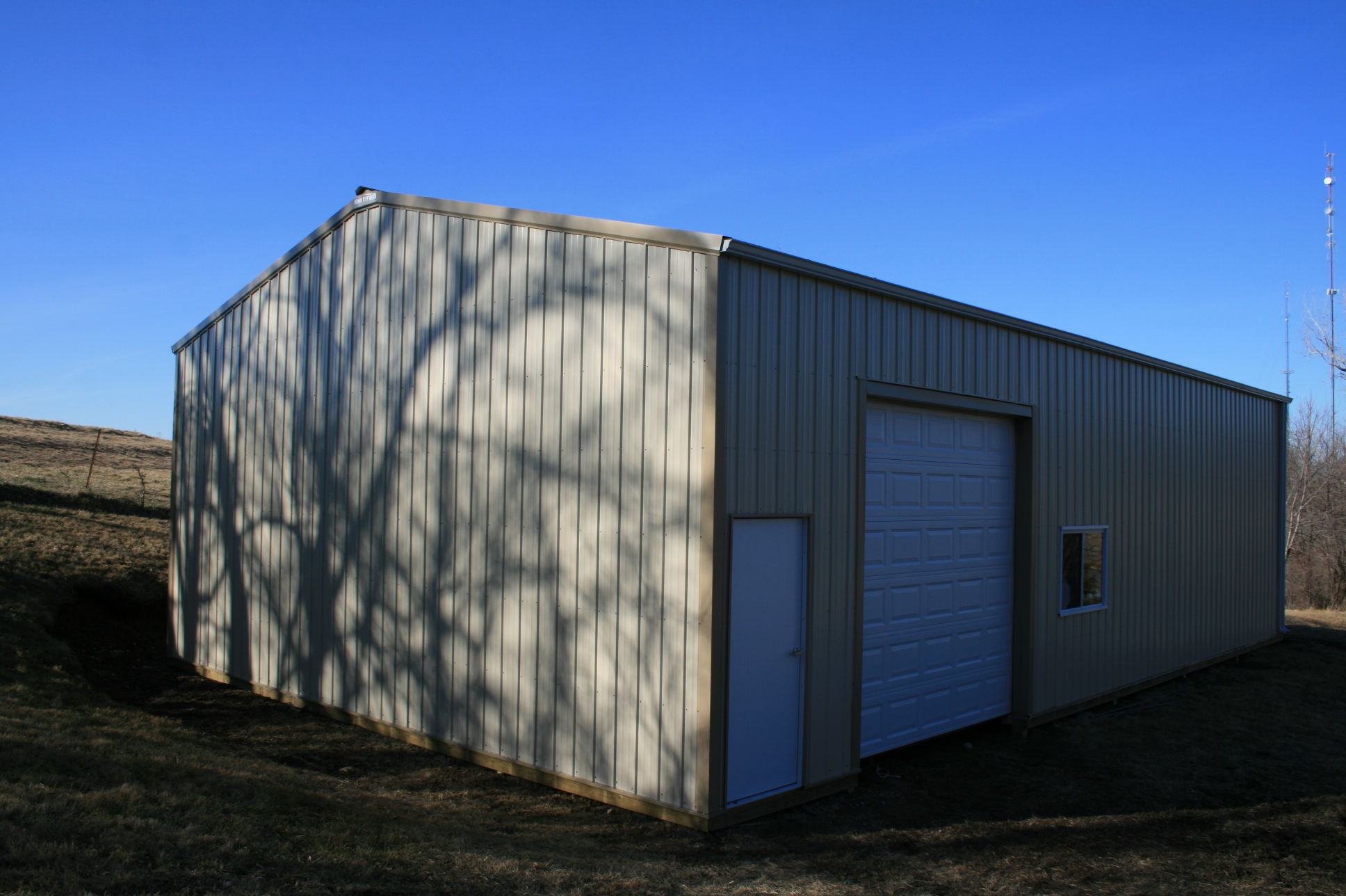 Garages and sheds king city lumber mound city lumber for Barns and garages